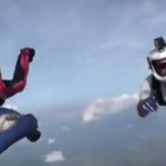 Daring Mid-Air Rescue of Unconscious Skydiver [Video]