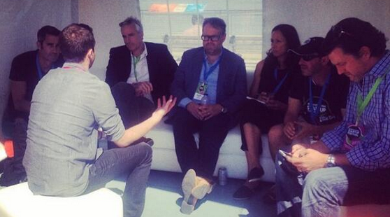 InstaElite's Bryan Gold pitching the experts! (Image courtesy Ryerson DMZ)